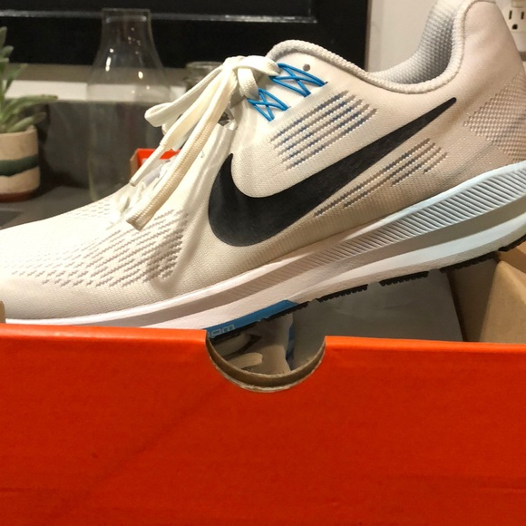 huge selection of dbf5c 31737 Nike Air Zoom Structure 21. M 5b74ef7a5bbb804a97b28e9c